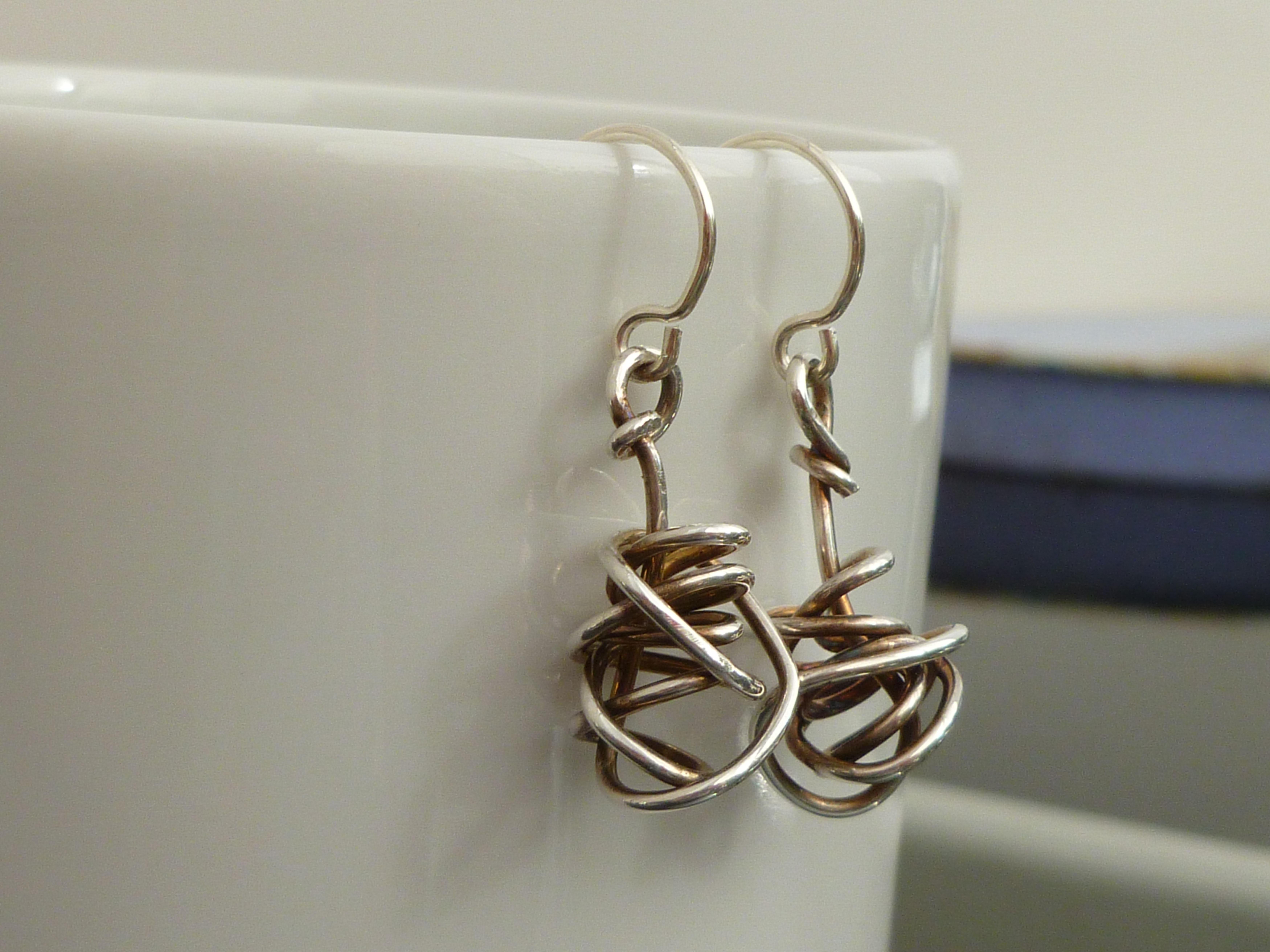 oxidised silver wire twist drop earrings 1.jpg