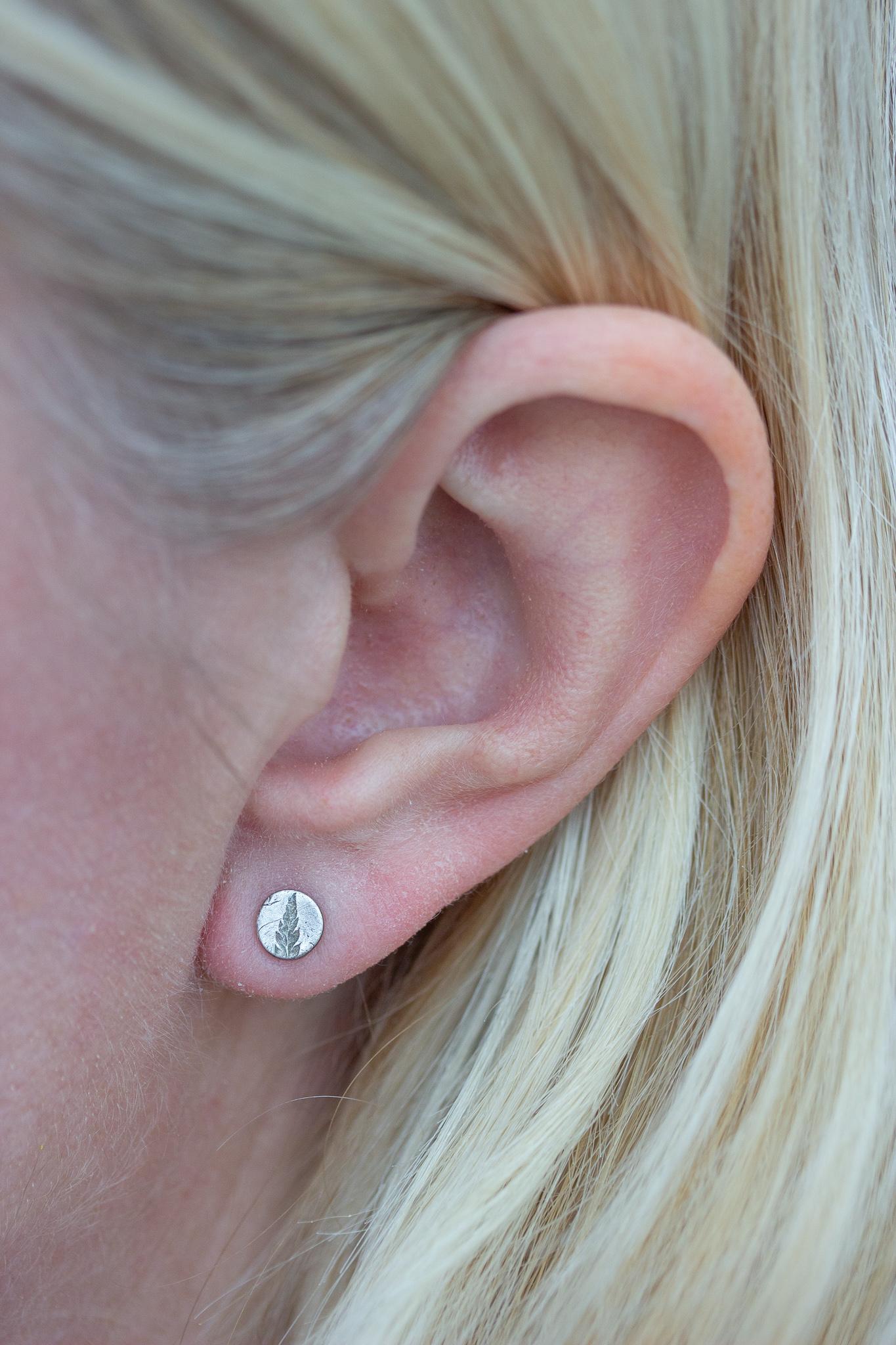 the-little-red-hen-fern-pattern-tiny-silver-stud-earrings